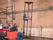 Мобильное оборудование для завинчивания (закручивания) винтовых свай фундаментов