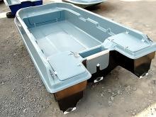 Транец пластиковой лодки