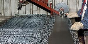 Станок для плетения сетки рабицы в полуавтоматическом режиме